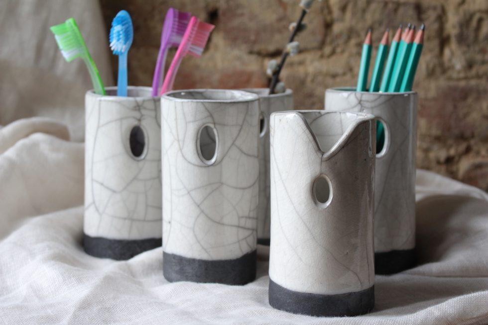Porte-brosses à dents ou pots en céramique Raku Maison Normande Home Decor