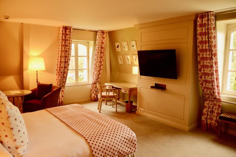 Doubles-rideaux, housses de coussins, couvre-pieds MN Home Decor pour le chateau La Cheneviere